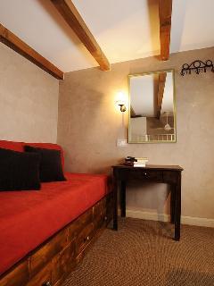 Apartment in Rome Jewish Ghetto Single room