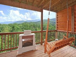Beautiful Views from this 1 Bedroom Luxury Cabin!, Gatlinburg