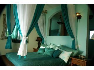 2 º dormitorio con balcón que se abre a la playa & bahía de Tankah