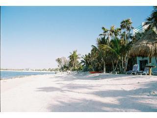 Playa de arena blanca con toneladas de privacidad en Casa Caribe Soul!