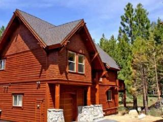 Trailside Villa *XC Trails out your back door!*, Truckee