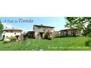 Bellissima country villa with 2 bedroom apartment, Todi