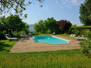 Bellissima country villa with 2 bedroom apartment