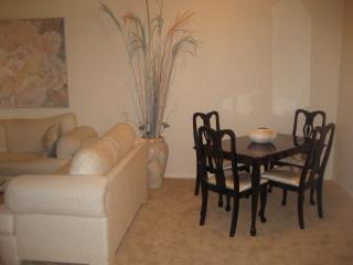 CASITA VEGAS                  CASUAL DINING AREA