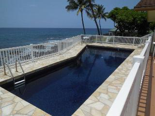 PRIVATE OCEANFRONT HOME ON 1/3 ACRE WITH POOL, Kailua-Kona