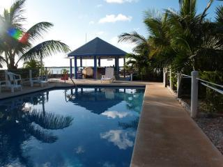 The Cays Pool