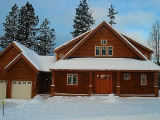 Custom Builders Cabin!  Hot Tub | WiFi | Pet Friendly | *Specials*, Roslyn