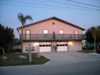 Tired of hotels? Close to beaches and GREAT rates!, Fort Myers Beach