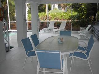 Pool Dining Area, seating for 8
