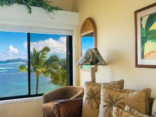 Sealodge E10: Top floor, oceanfront views all the way to the lighthouse, Princeville