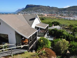 Silvermine Apartment for 4 just 500m to best beach, Clovelly
