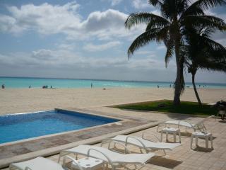Amazing Views Casa Frajari Beachfront Luxury, Playa del Carmen
