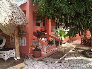 Villa Punta Salina - Micro Resort, Noord