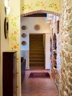Unit #1 Hallway with Hand Painted Ceramics (photo copyright Geoff Beatty)