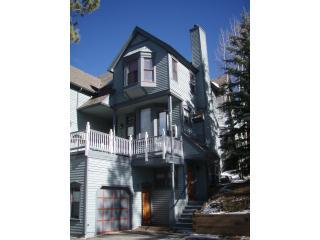 Charming Victorian Ridge Unit - 1 Block Off Main, Breckenridge