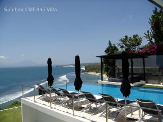 Oceanfront Clifftop Suluban Cliff Villa in Uluwatu