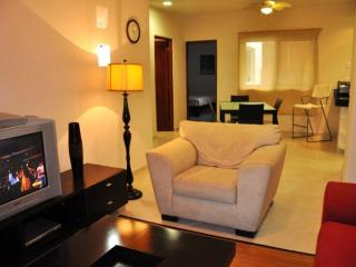 PK20 - 2 Bed in the Heart of Playa Del Carmen