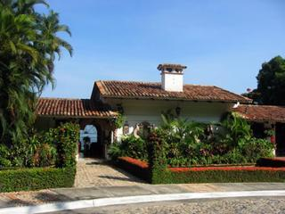 Gorgeous Hacienda,3 Staff,Wifi,Pool,Safe & Secure, Puerto Vallarta