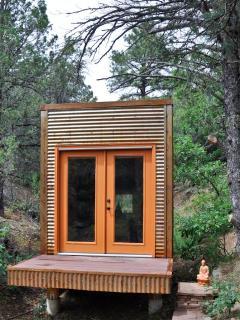Meditation Hut available for a true retreat