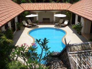 LUXURY VIP 'PHI PHI ISLANDS' 4 Bedroom Private Pool Villa !!, vacation rental in Phuket