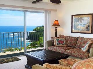 Premium oceanfront views and privacy in this top floor 2br/2ba condo!, Princeville
