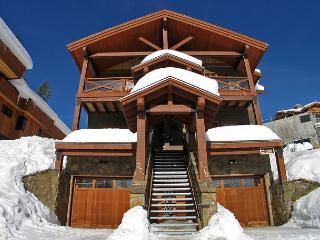 Rockridge 375 Whitehorse Lane Centrally Located in Big White Sleeps 14