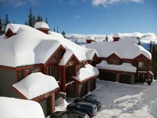 Snowbanks 3 Upper Snowpine Location Sleeps 11, Big White