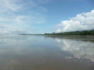 Playa Uvita Low Tide