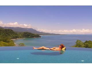 Wow... Don't miss this Luxury Oceanfront Villa!!!, Dominical