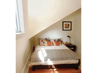 Seconda camera con letto matrimoniale, lenzuola di lusso