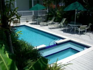 HISTORIC KEY WEST -  Cigar House - Sleeps 4