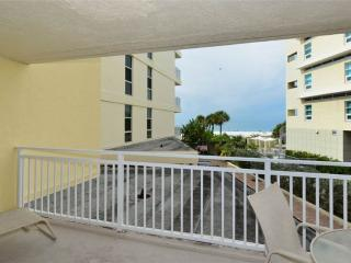 Couple-friendly Gulf Side 1BR sleeps 2 #212GV, Sarasota