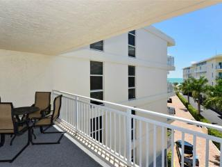"Excellent Gulf Side 2BR with new 37"" HDTV #402GS, Sarasota"