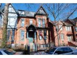 Downtown Apartment in Historic Cabbagetown, Toronto