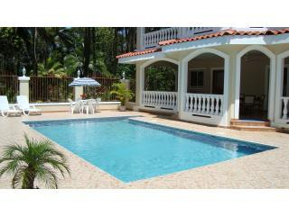 Wiona at Villa Paraiso - Luxury on the Beach with Private Pool and A/C