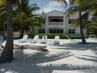 Villa Casa Buena Vista, Ocean-Front, 2 to 4 person