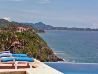 Casa Melissa - Oceanfront fab views, pool,  tennis