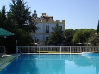 Large Luxury Villa with Private Garden, Belek