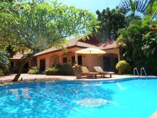 """COCONUT LAGOON"" Secluded Pool Villa in Paradise !"