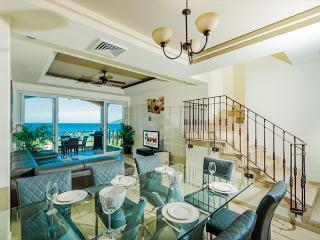 Luxury 2 bedroom ocean view condo with access to resort faciliites
