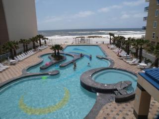 Crystal Towers - Top Floor Designer Condo, Gulf Shores