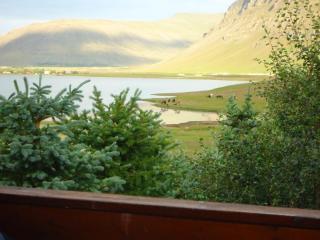 Cottage in Iceland spectacular views with hot tub, Mosfellsbaer