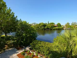 Schitterend uitzicht over de hangmat Bayou vanaf Plumfish terras
