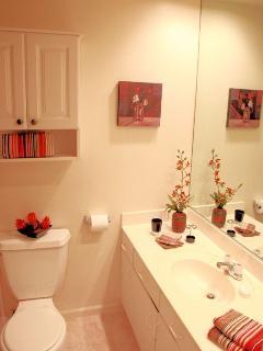 2nd Bathroom w/Full Bath