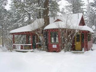 A Sweet Pine Cabin - 621