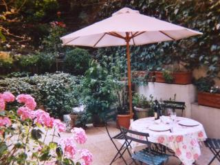 Comfortable House with garden in Montmartre- apt #