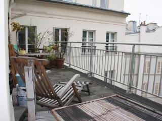 Great 1BR terrace-theatre District Rue Richer, Paris