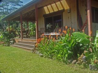 OCEANview 6acres Secluded rainforest & vast garden