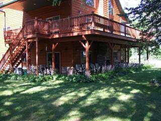 Devil's Lodge - Ski Hills, Wisconsin Dells, Devil's Lake, Outlet Stores, Casino!