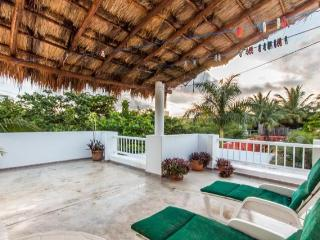 Casa de Paz - Central Location, Private Dead-End Street, Cozumel
